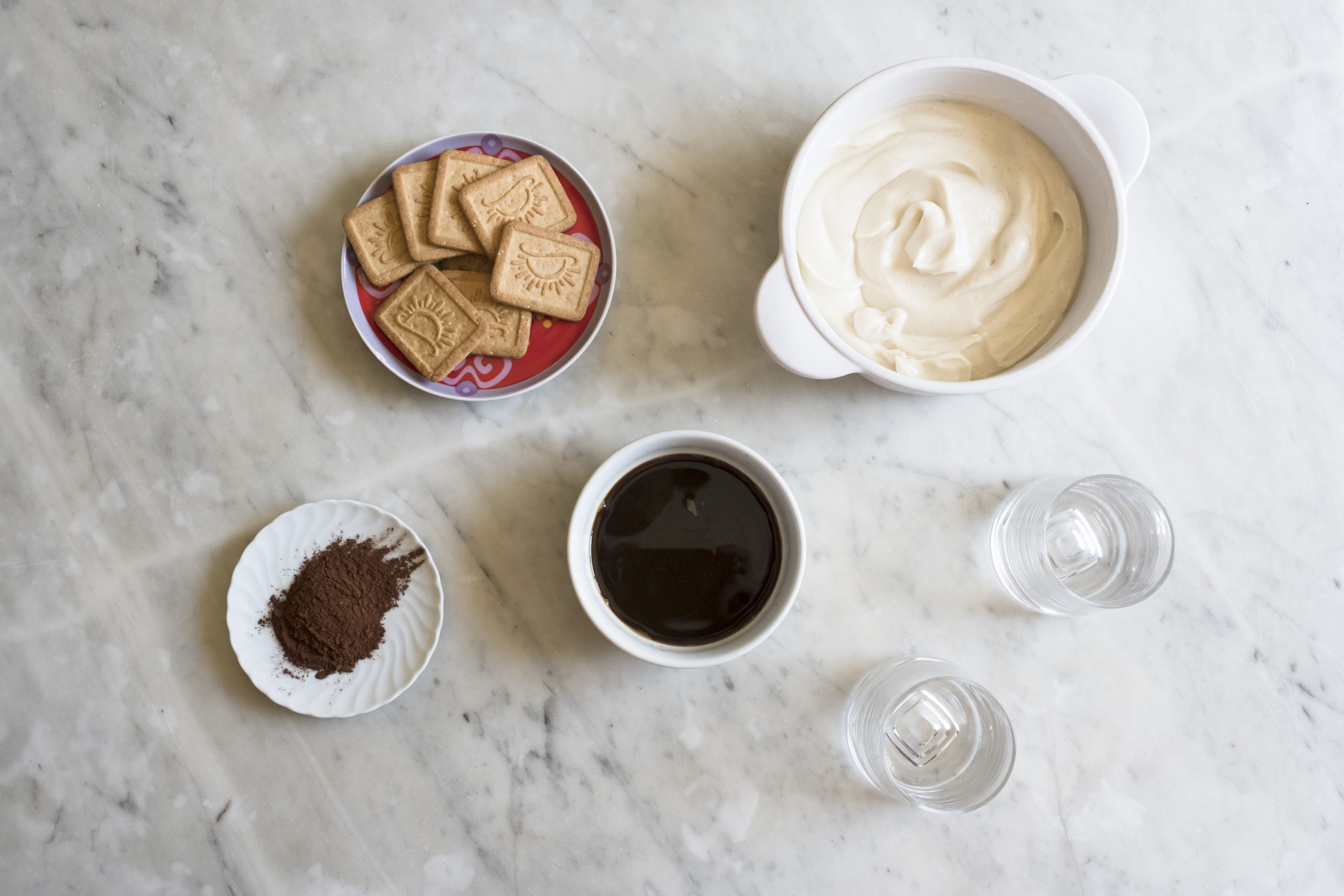Coffee, biscuits, cocoa, vegan mascarpone